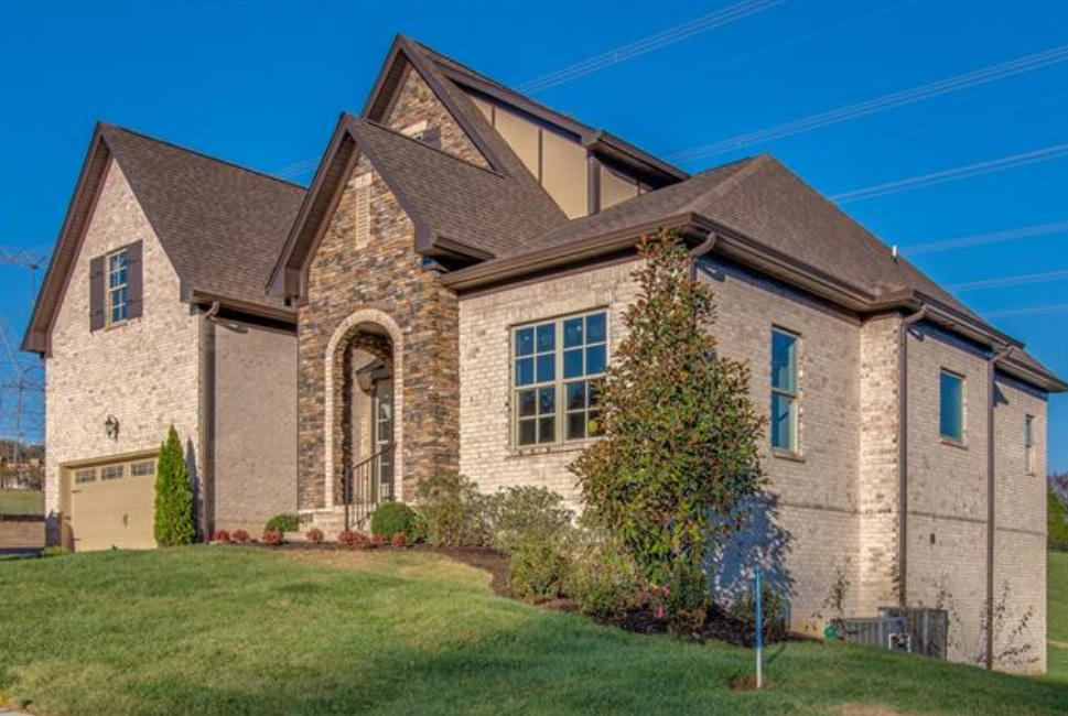 Homes for Sale in Berry Hill Subdivision Hendersonville TN