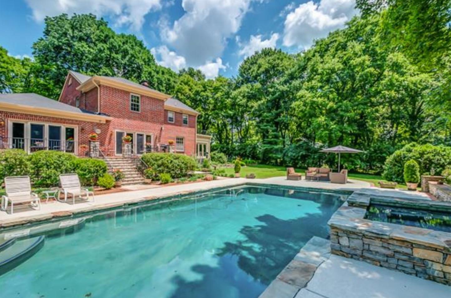 Green hills real estate nashville tn for Swimming pool builders nashville tn