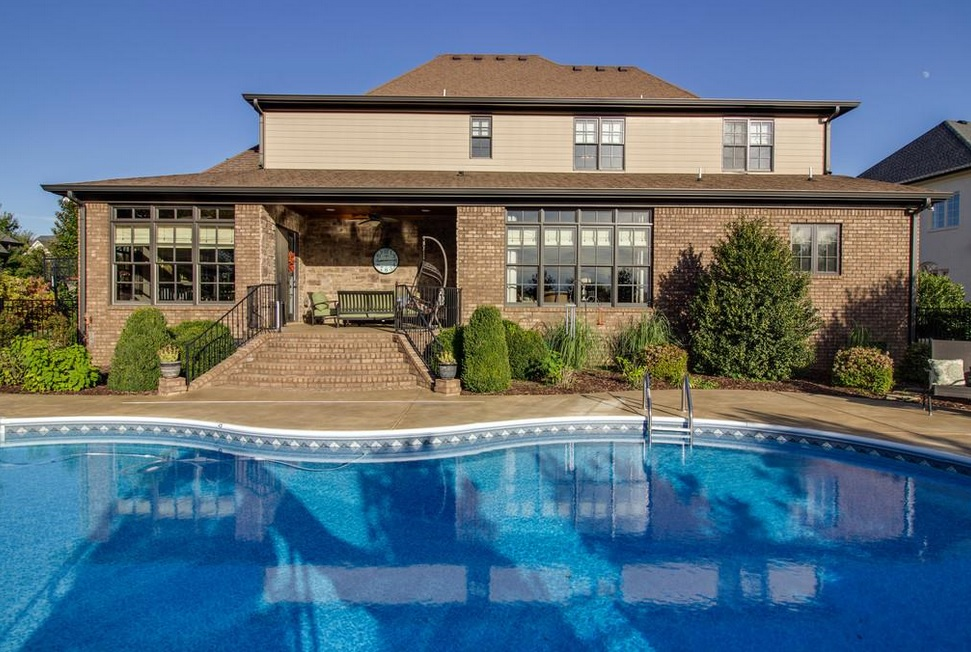 Delightful Murfreeboro Homes With A Pool Design Inspirations