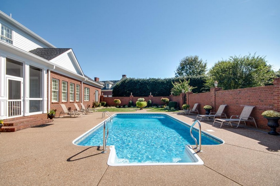 Murfreeboro Homes With A Pool