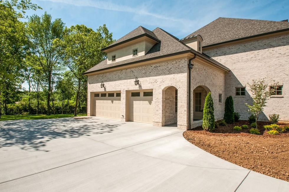 West Meade Houses With Big Garages