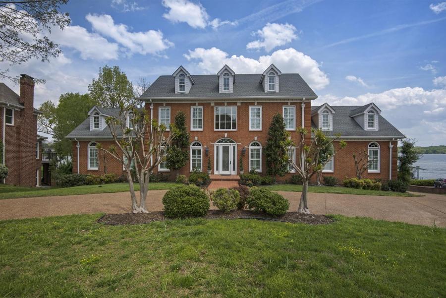 Hendersonville Houses For Sale