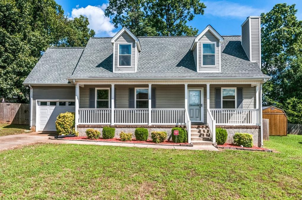 Homes for Sale in Lake Woods Subdivision La Vergne TN