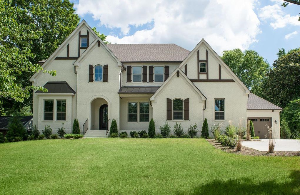 Traditional Style Homes for Sale Near Nashville