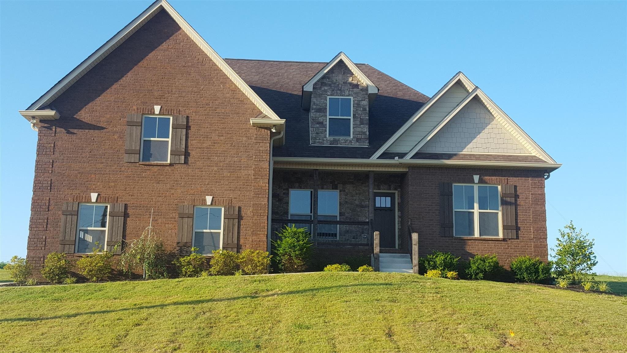 County Home Luton House For Sale