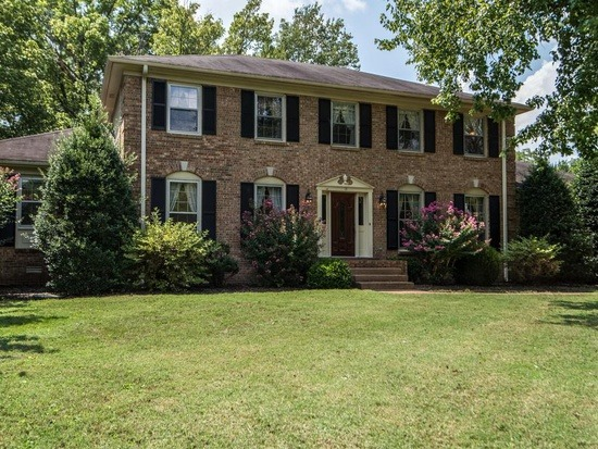 Homes For Sale in Laurelwood Subdivision Brentwood TN