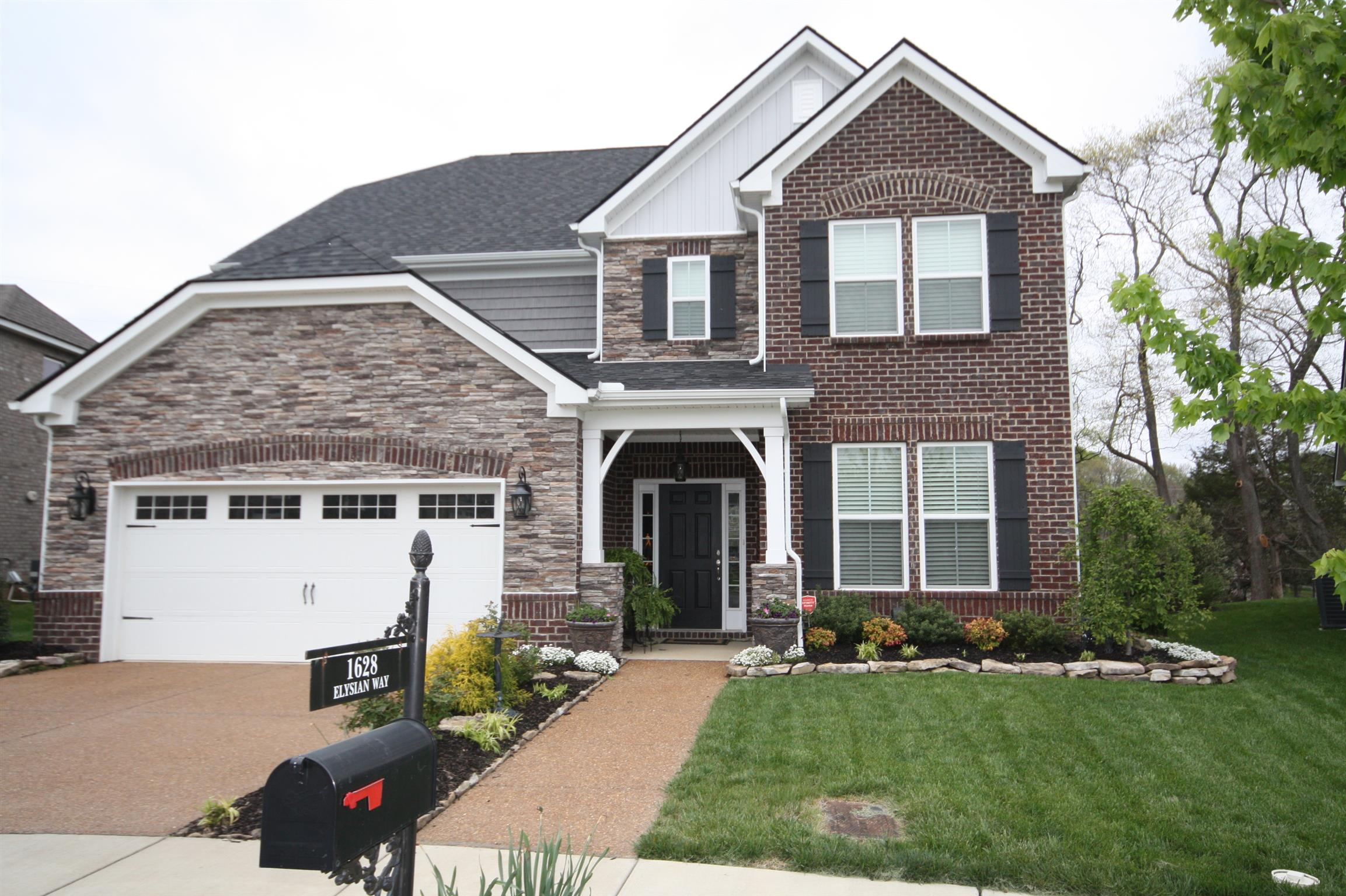 Homes For Sale in Lochaven Subdivision Brentwood TN