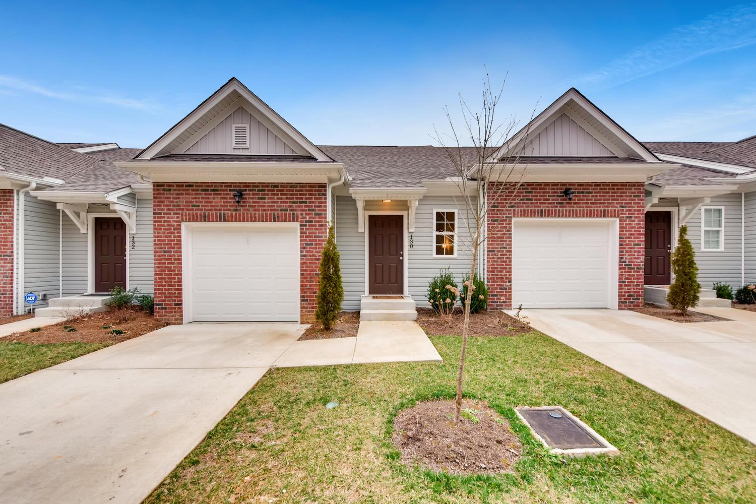 Lake Ridge Village Townhomes For Sale