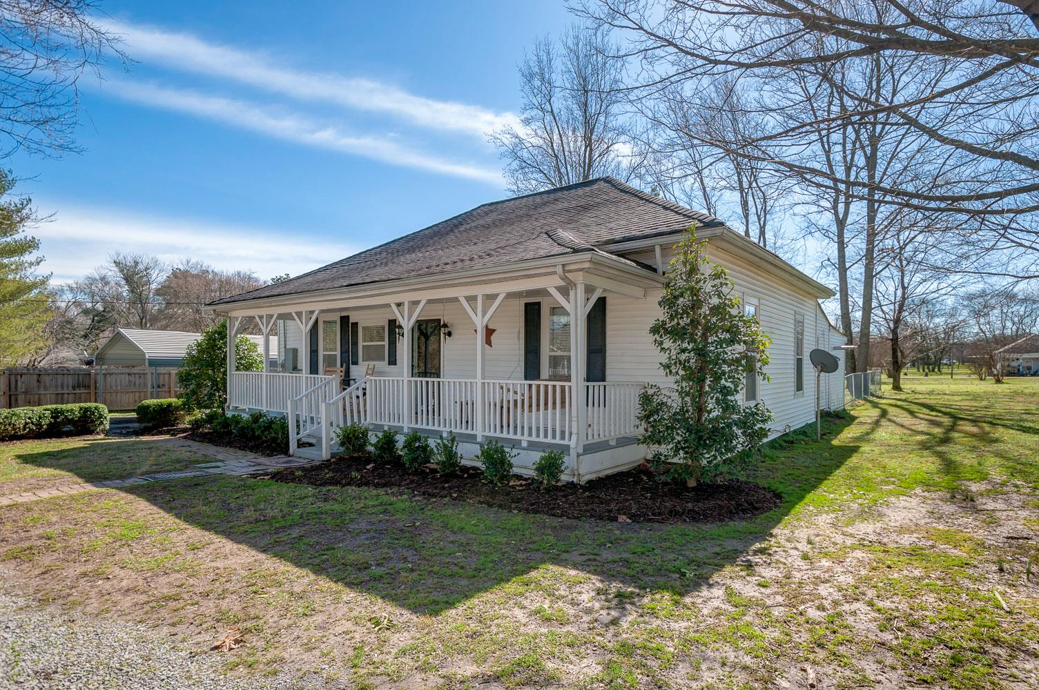 Homes For Sale In Smith & Hayes College Grove TN
