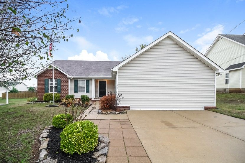 Homes for Sale in Stones River Cove Subdivision La Vergne TN